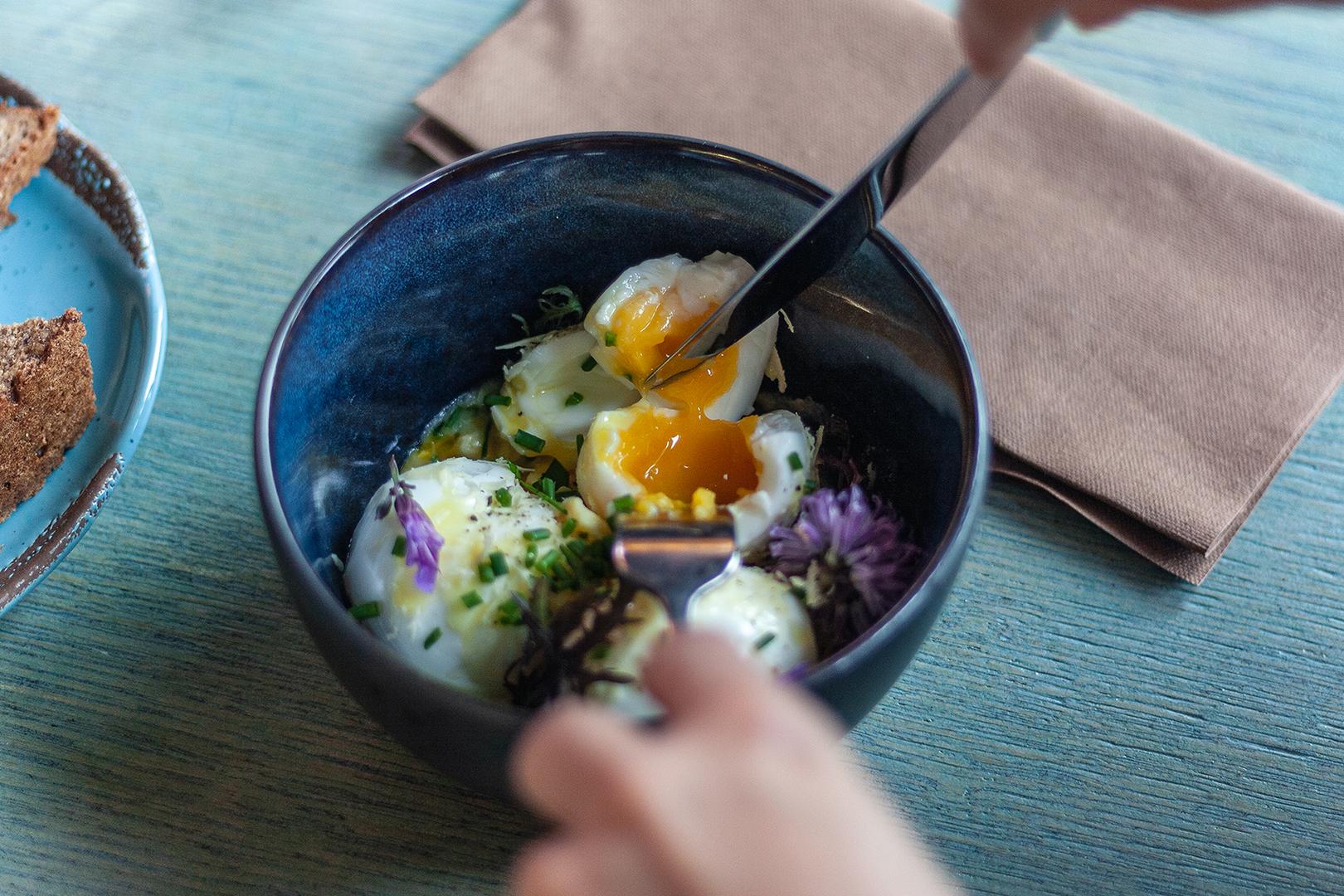 vejce do misky